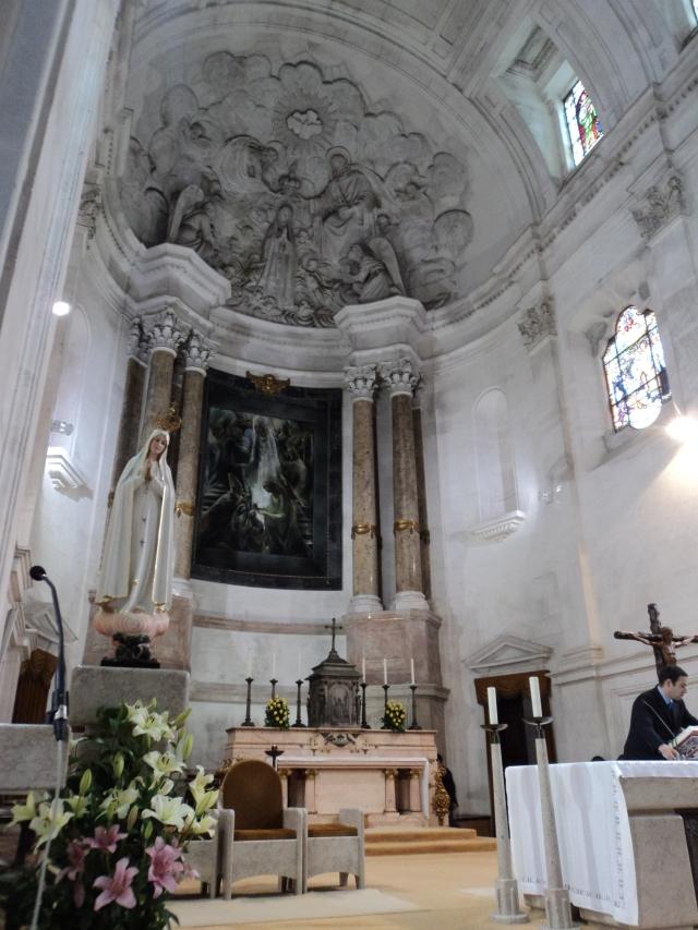 Altar principal da Basílica em Fátima/Portugal