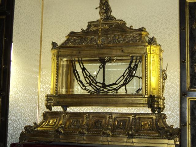 As correntes que prenderam São Pedro, guardadas na Igreja de São Pedro in Vincoli, em Roma